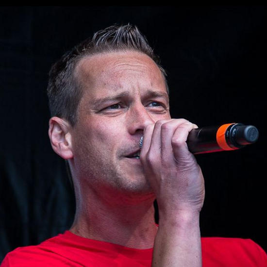 Heiko Wienesen - Lead Vocals